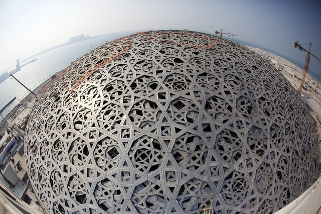 Le louvre abu dhabi une tape cruciale dans l avancement des travaux vis - Date de construction du louvre ...